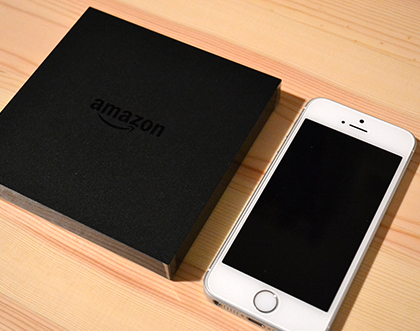Amazon Fire TVとiPhone SEの大きさを比較