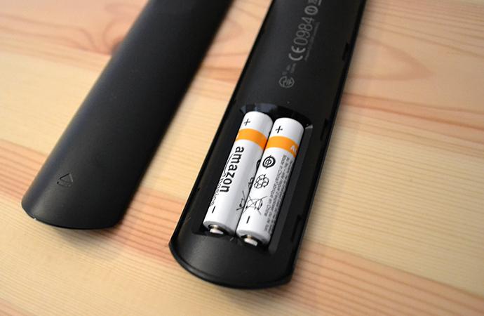 Fire TV Stickの背面 電池の入れ方